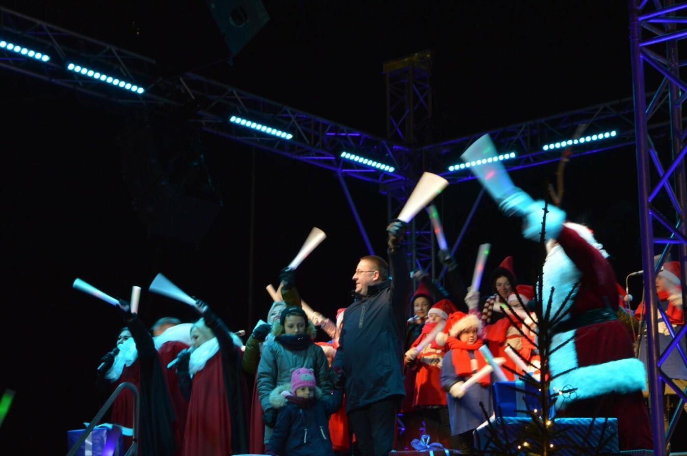 Palanga įžiebė eglę ir suspindo tūkstančiais kalėdinių šviesų, nuotrauka-10