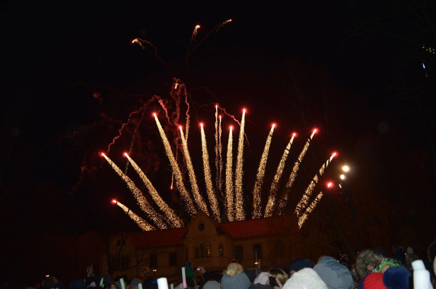 Palanga įžiebė eglę ir suspindo tūkstančiais kalėdinių šviesų, nuotrauka-5