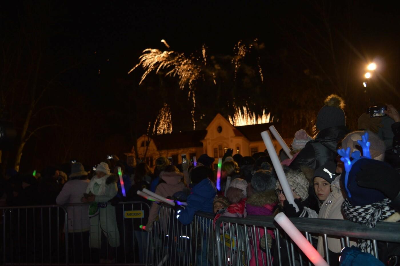 Palanga įžiebė eglę ir suspindo tūkstančiais kalėdinių šviesų, nuotrauka-6