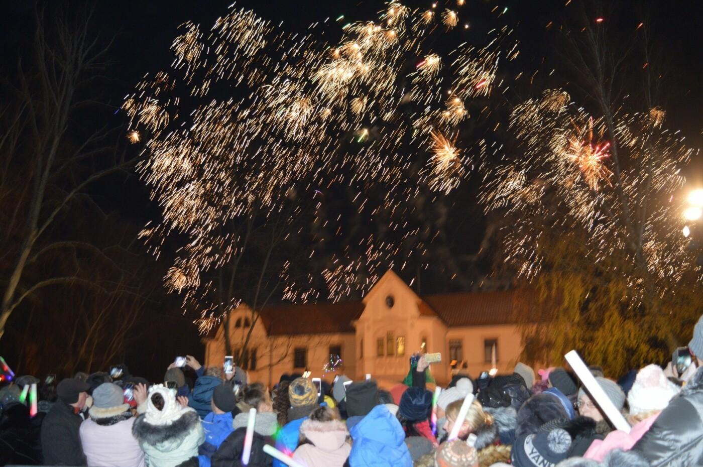 Palanga įžiebė eglę ir suspindo tūkstančiais kalėdinių šviesų, nuotrauka-33