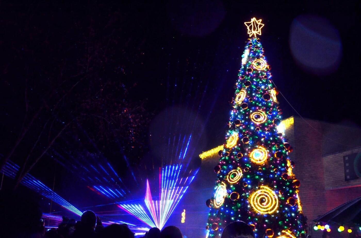 Šventąją užlies Kalėdų laukimo nuotaika – penktadienį įžiebiama eglė, nuotrauka-1