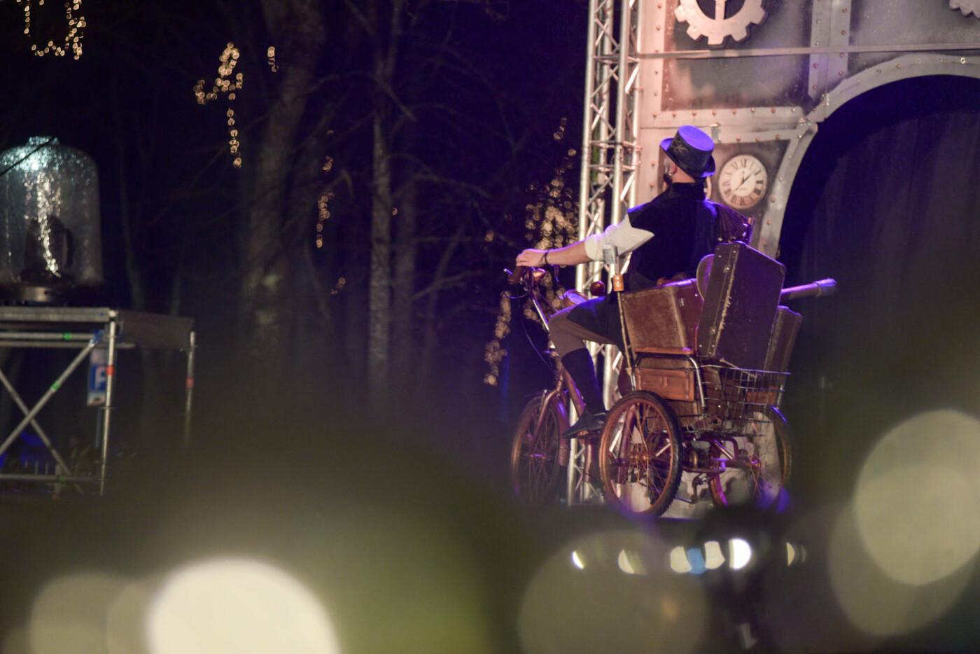 Palangoje įžiebta kalėdinė eglė, K.Bakūno nuotr. / 15min.