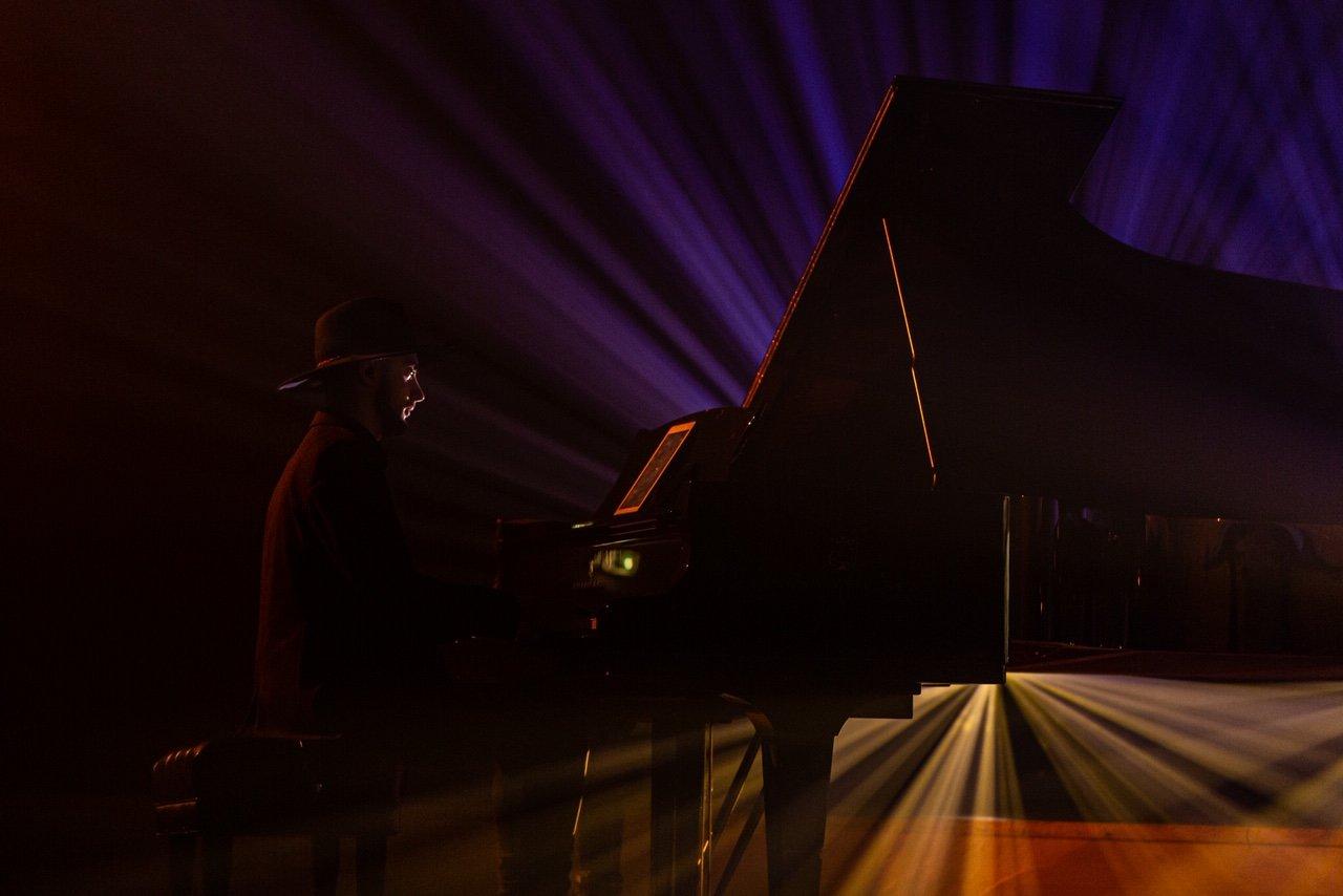 """Erica Jennings surengė pirmąjį tvarų kalėdinį koncertą """"Coming Home For Christmas"""", nuotrauka-3, Luko Grušecko ir Evelinos Sabaliauskaitės nuotr."""