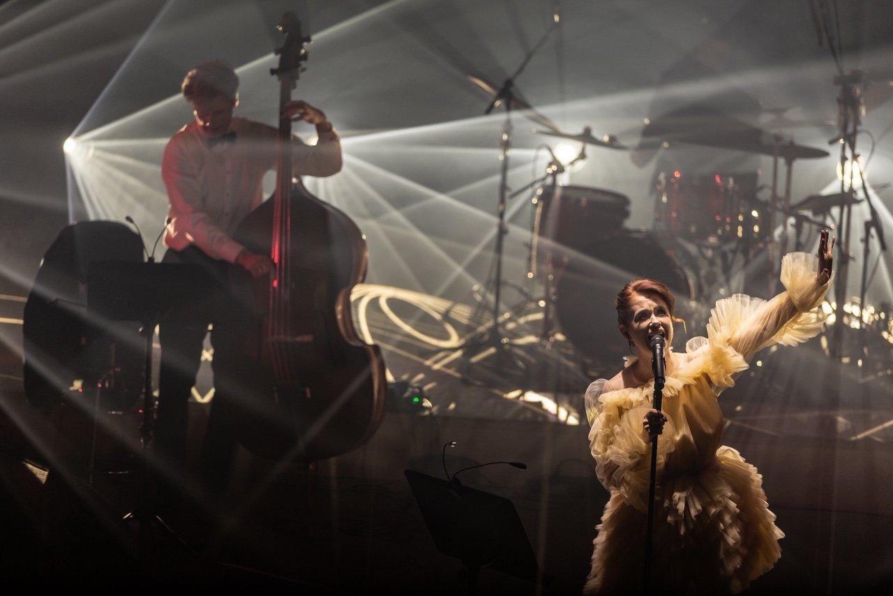 """Erica Jennings surengė pirmąjį tvarų kalėdinį koncertą """"Coming Home For Christmas"""", nuotrauka-7, Luko Grušecko ir Evelinos Sabaliauskaitės nuotr."""