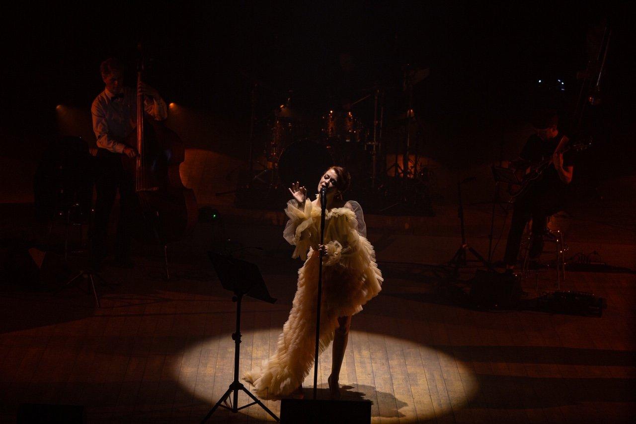 """Erica Jennings surengė pirmąjį tvarų kalėdinį koncertą """"Coming Home For Christmas"""", nuotrauka-15, Luko Grušecko ir Evelinos Sabaliauskaitės nuotr."""