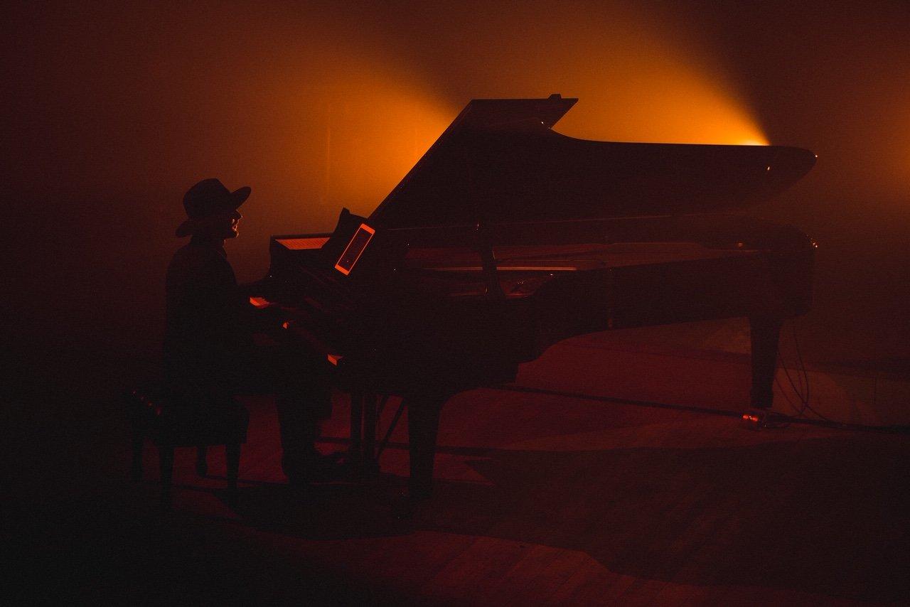 """Erica Jennings surengė pirmąjį tvarų kalėdinį koncertą """"Coming Home For Christmas"""", nuotrauka-16, Luko Grušecko ir Evelinos Sabaliauskaitės nuotr."""