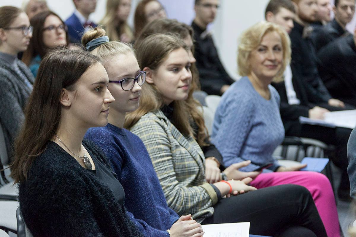 Palangos senosios gimnazijos mokiniai respublikinio vertimo konkurso laureatai, nuotrauka-2