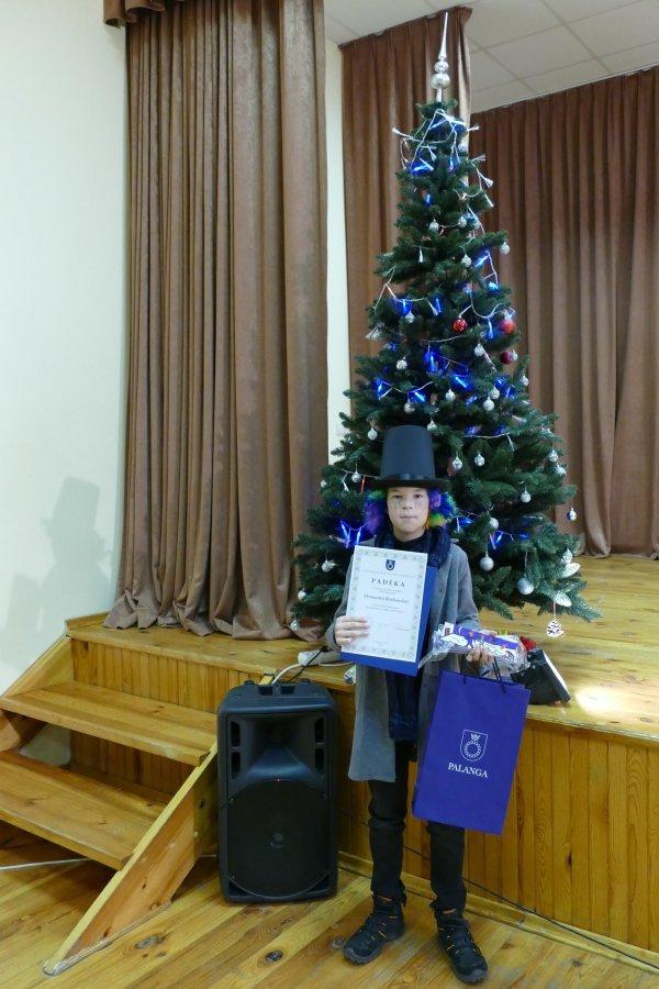 """Pasveikinti ir apdovanoti geriausi moksleivių darbai dalyvavę civilinės saugos piešinių konkurse """"Saugios mano Kalėdos"""", nuotrauka-1"""