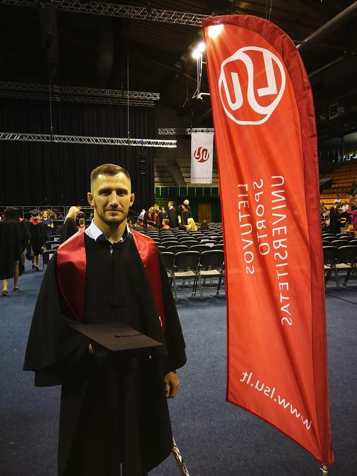 Erikas Cchovrebovas LSU diplomų įteikimo šventėje, Nuotr. iš asmeninio Eriko Cchovrebovo fotoalbumo