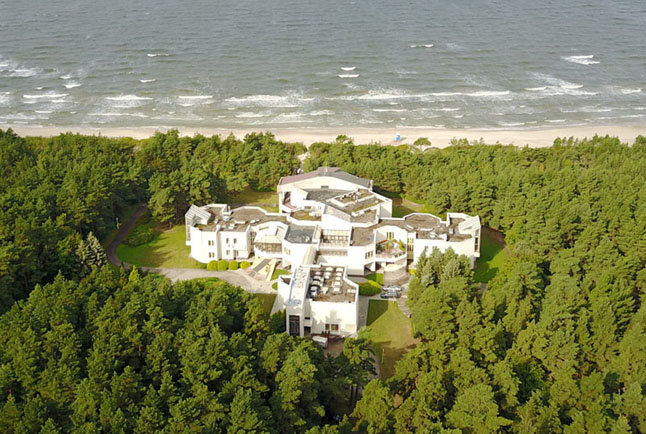"""APLINKA. Teigiama, kad """"Auskai"""" priklauso pusė kilometro privataus paplūdimio., auskavila.lt nuotr."""